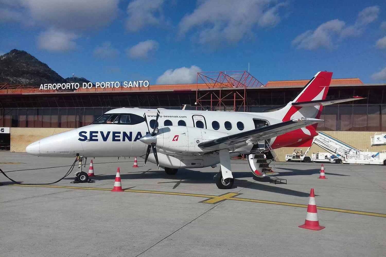 Avião Seven Air no Porto Santo