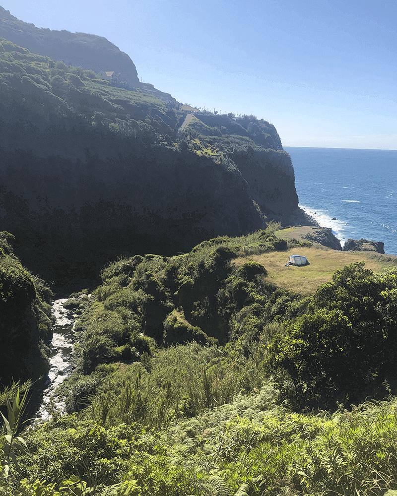 Felsstrand, Ponta Delgada - Local Escondido Ilha da Madeira