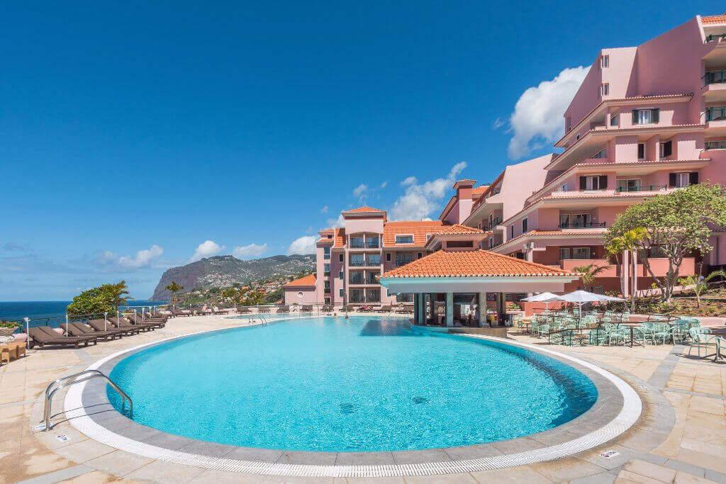 Vista Piscina do Hotel Pestana Royal no Funchal